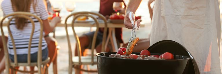 BBQ party ideas: beachside dining