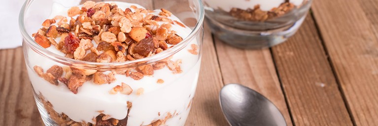 Healthy Mother's Day breakfast - Granola and Greek yoghurt recipe