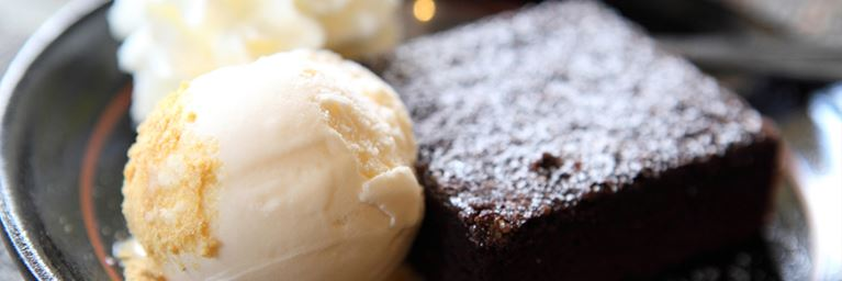 Chocolate Brownie with Vanilla Icecream