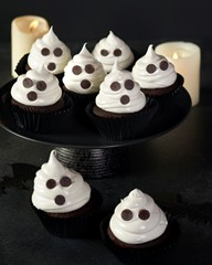 Ghostly Halloween Cupcakes