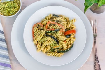 healthy tomato and courgette pasta