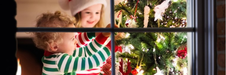 Christmas Eve Ideas: Children Decorating the Tree