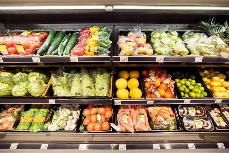 For award winning fresh fruit and vegetables, visit the fresh fruit and veg aisle at your local SPAR.