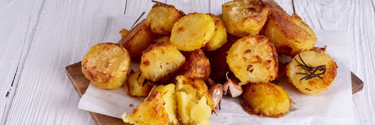 Garlic and Rosemary Roast Potatoes